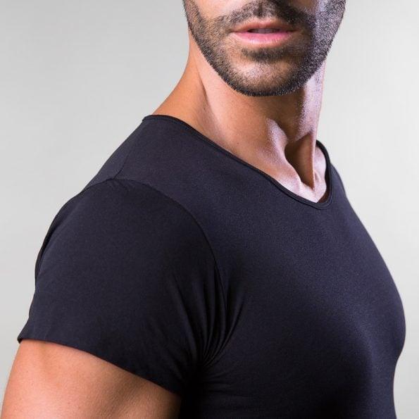 maglia-intimo-uomo-nera