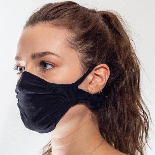 máscara-mujer-negra-lavable